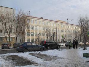 Из-за большого числа первоклашек школы Екатеринбурга переезжают в офисники