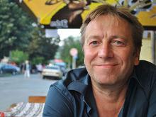 «Нет сил жить на две страны, разрывая сердце на части». Как топ-менеджер переехал в Сербию