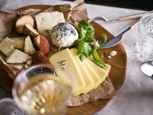 «Штолле» приглашает на гастрономический вечер с дегустацией редких ремесленных сыров