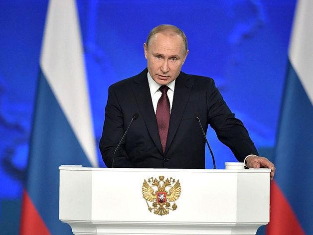 Рейтинг Путина снова упал. Но если считать по-другому, то доверяет президенту большинство