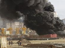 «Разогревал рядом с утеплителем». Озвучены причины пожара на стройке конгресс-холла