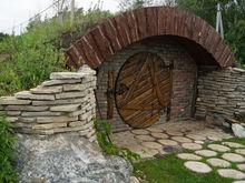 Под Челябинском построили домик хоббита, где будут угощать «закуской гнома»