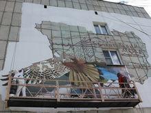 Продержится 10 лет: рисунок летящего орла украсит фасад челябинской пятиэтажки