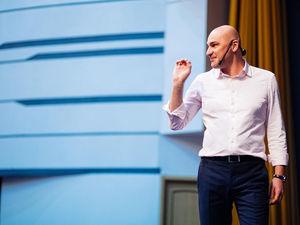 Радислав Гандапас приедет в Челябинск с тренингом Self Made Man