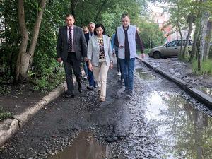 «Делали? Ну ещё раз сделайте!»: как прошла первая прогулка и.о. главы Челябинска