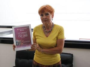 Челябинвестбанк вручил победителю акции «Ла-Ла-Тур» сертификат на 150 тысяч рублей
