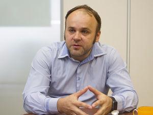Золото и блокчейн. Российские экс-банкиры начали финреволюцию на трех континентах