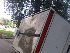 Хулиганство или атака на малый бизнес? В Екатеринбурге разгромили киоски