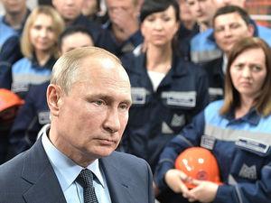 В Челябинской области загорелась аглофабрика, которую на прошлой неделе открыл Путин