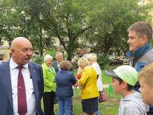 Первые три детские площадки установлены во дворах Автозаводского района по проекту мэра