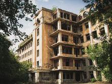 Заброшенную больницу в Зеленой роще восстановят за 1,5 млрд руб. Власти ищут инвестора