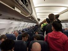 Медведев обязал хранить данные пассажиров авиакомпаний в РФ. Авиабилеты сильно подорожают