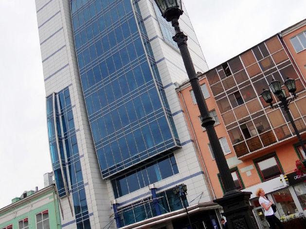 Скидка — 60 млн руб. Федералы избавляются от 14-этажного офисника в центре Екатеринбурга