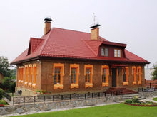 Рашен деревяшен. В Екатеринбурге продают старую купеческую усадьбу, где можно жить