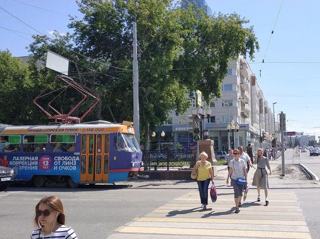 В Екатеринбурге устанавливают «умные» остановки