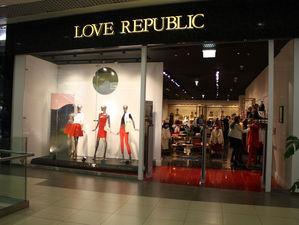 Sela перешла к Love Republic. Впервые вошедшая в топ-100 группа скупает российские марки