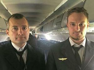 Пилотам «Уральских авиалиний», спасшим 226 пассажиров, присвоили звание Героев России