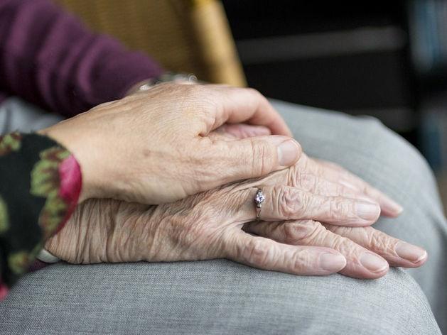 «Пенсиям приходит конец. Нас ждет гетто для пожилых, за что спасибо медицине»