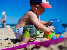 Отпуск семьей: няня и бассейн детям, кафе и пляж родителям. 7 отелей для отдыха с ребенком