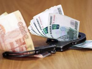 32 взятки за четыре года. В свердловском министерстве поймали ненасытного коррупционера