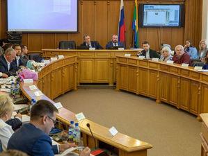 Нелегкая работа. Чиновники Екатеринбурга не успевают тратить бюджетные миллиарды