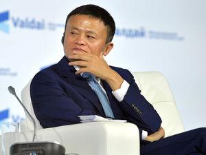 «Я хочу умереть на пляже, а не в рабочем кабинете». Джек Ма в 55 лет покидает Alibaba