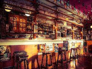 Кабмин поддержал идею изгнать бары из жилых домов. Закрыться могут 10 тыс. заведений