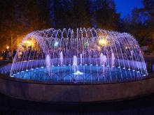 В Красноярске запустили обновленный фонтан за ДК 1 мая