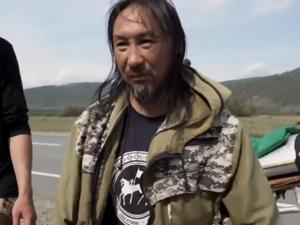 Якутского шамана, который шел в Москву «изгонять Путина», забрали в психбольницу