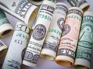 «Каждая прибавка к зарплате делает вас беднее». Как деньги играют людьми