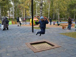 Открылись после благоустройства детская площадка в парке Пушкина
