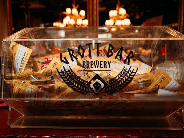 Уральский бар с собственной пивоварней открыл заведение в Москве