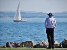 «Выйдешь на пенсию — заболят ноги, пропадет память». Как отказ от труда влияет на здоровье