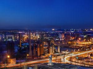 Не только Москва. Куда в России ехать за большими деньгами