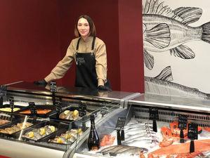 «Рыба пила»: в Красноярске открылся магазин рыбы и морских деликатесов