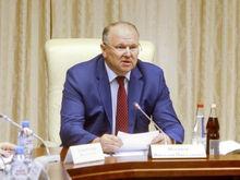 Николай Цуканов: «Вся ответственность лежит на губернаторе, а мэр подносит патроны»