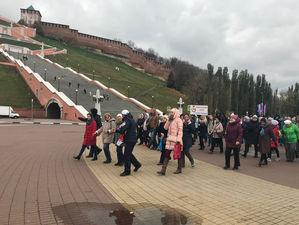 «10 000 шагов к жизни» прошли сотни нижегородцев по Нижне-Волжской набережной