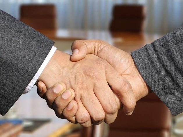 Вежливость на переговорах — путь к проигрышу. Грубиян точно добьется большего
