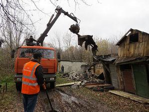 45 опасных сараев снесли в Автозаводском районе с начала года