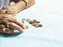 «Поднимите зарплаты — снизим налог». Свердловские депутаты внесли поправки в закон