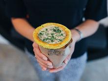 Супы в съедобном стаканчике: в Красноярске открылось первое кафе суп-культуры Soup&Bulka