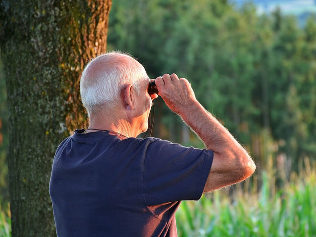 Выйти на пенсию к 65 реально, если откладывать 40% дохода. Кто на это согласится?