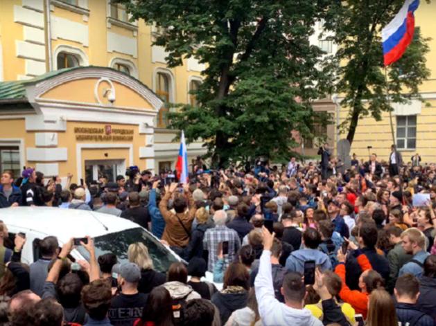 70% россиян не знают про «московское дело». Треть согласны с обвинениями фонда Навального