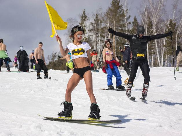 Горнолыжный курорт «Солнечная долина» устроит спуск в карнавальных костюмах