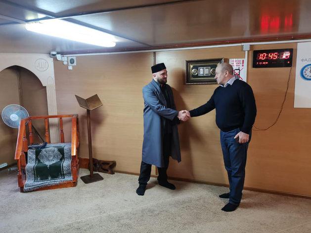 Имам Шахбан Курамагомедов получил ключи от новой молельни