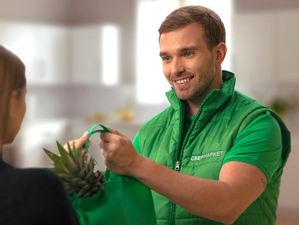 Сбербанк запустил в Красноярске собственный сервис доставки продуктов и товаров