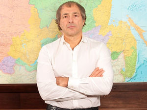 Сергей Студенников объявил скидки в «Красное&Белое» из-за отставки Алейникова