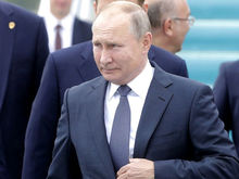 Россияне стали меньше симпатизировать Путину и чаще относиться к нему равнодушно