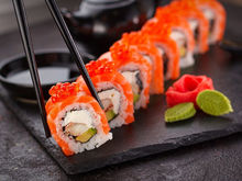«Понимаете наш шок?» Красноярцы массово отравились суши