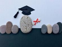 «Хотите бездарно потратить время и деньги? Вступайте в гонку за дипломами»